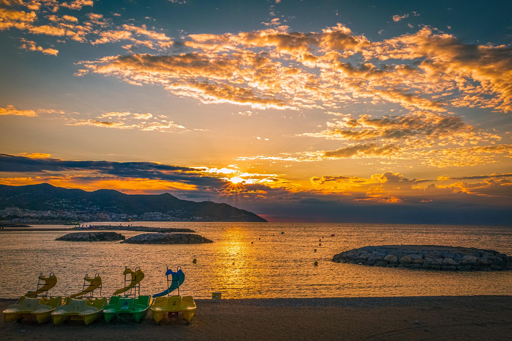 Sonnenaufgang in Sitges, Spanien